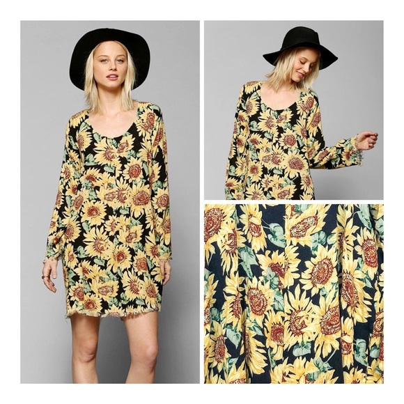 08cc72264755 Urban Outfitters Some Days Lovin Sunflower Dress L.  M_5c4ca729534ef973b209e6da